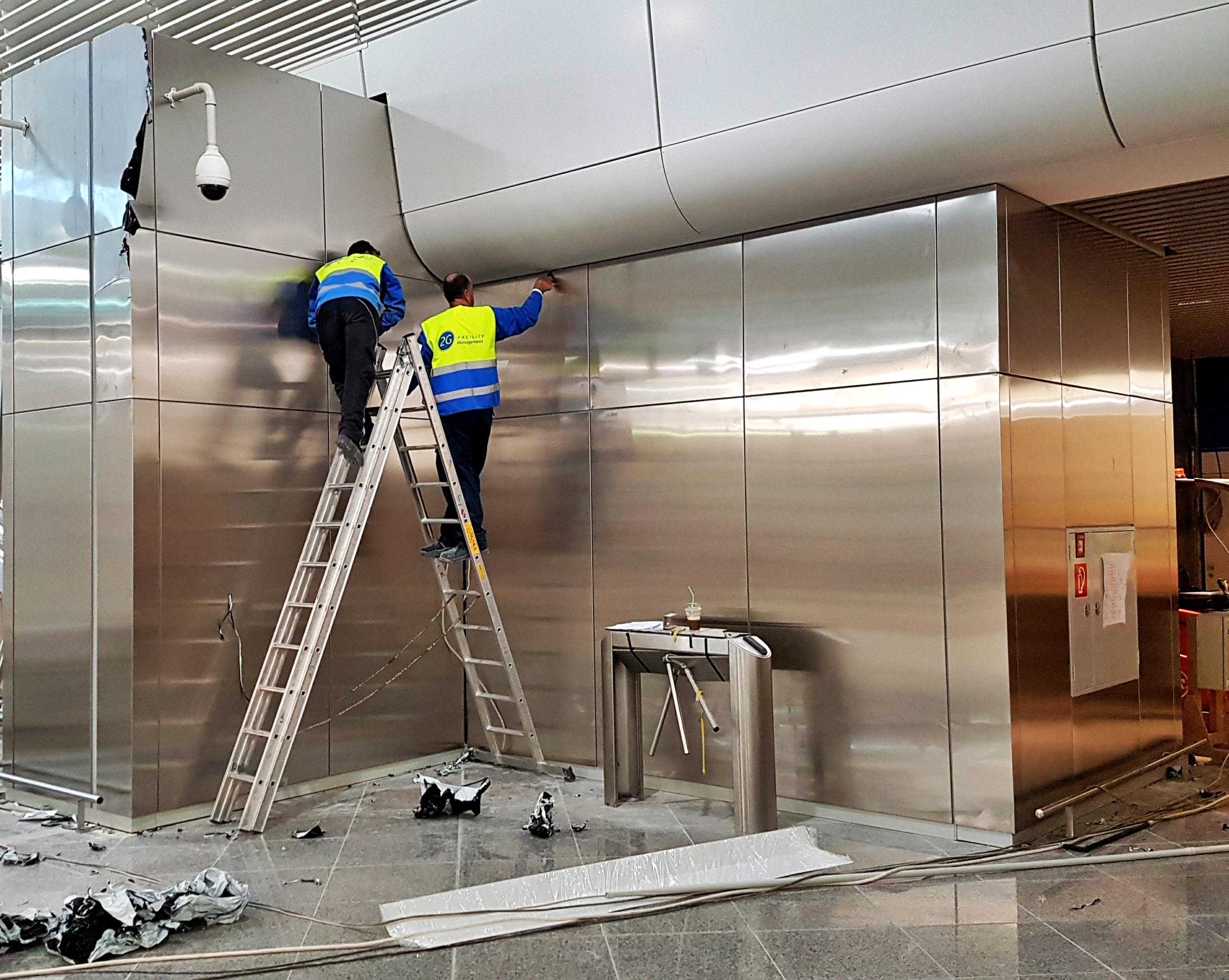 stavrianos_stainless_steel_wall_cladding_panels_in_athens_international_airport